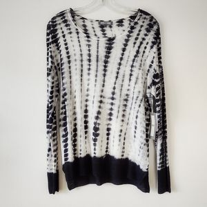 NWT Black and White VIP Linen Sweater